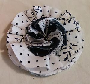 textil virág varrás